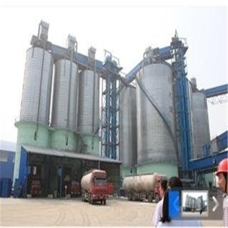 工厂仪器回收 工厂塔回收 堆积物回收 万厚鑫高价专业回收商家